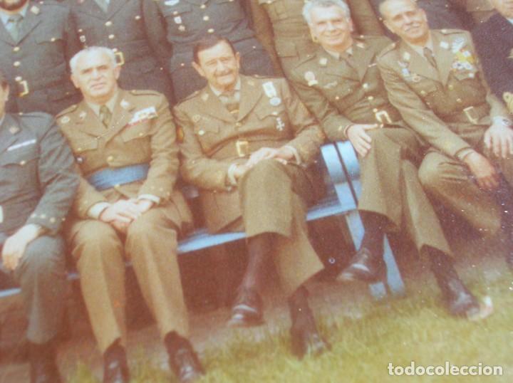 Militaria: FOTO UNICA DE LOS INTEGRANTES DEL GOLPE DE ESTADO DEDICADA POR UNO DE ELLOS. 23 F. MILANS. TEJERO. - Foto 14 - 207959111