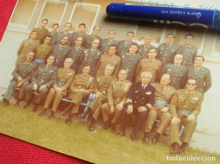 Militaria: FOTO UNICA DE LOS INTEGRANTES DEL GOLPE DE ESTADO DEDICADA POR UNO DE ELLOS. 23 F. MILANS. TEJERO. - Foto 18 - 207959111