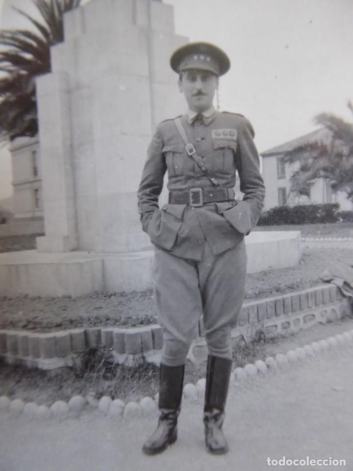 FOTOGRAFÍA CAPITÁN HABILITADO DEL EJÉRCITO NACIONAL. JARDÍN DE PIQUÍO SANTANDER (Militar - Fotografía Militar - Guerra Civil Española)