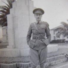 Militaria: FOTOGRAFÍA CAPITÁN HABILITADO DEL EJÉRCITO NACIONAL. JARDÍN DE PIQUÍO SANTANDER. Lote 210395227