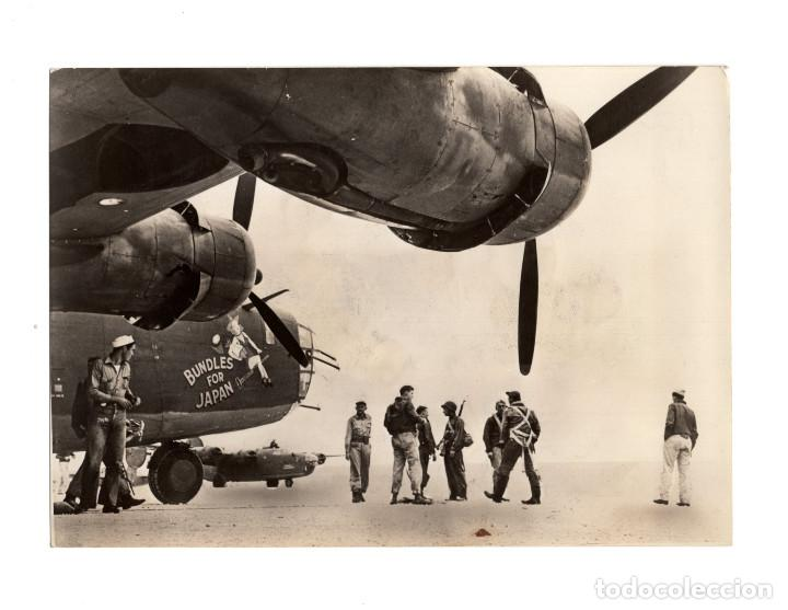AVIACIÓN.- DISPOSITIVO A PARTIR DE UN BOMBARDERO. BASE SECRETA.16X11,5 (Militar - Fotografía Militar - II Guerra Mundial)