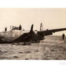 Militaria: AVIACIÓN.- LA RESISTENCIA DE LOS AVIONES. BOMBARDERO LIGERO A-20, AVERÍA EN TREN DE ATERRIZAJE.18X11. Lote 210762326