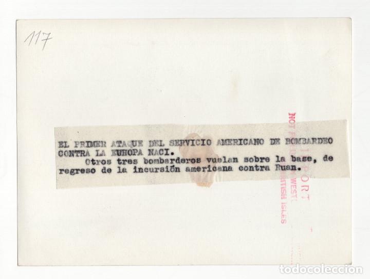 Militaria: AVIACIÓN.- EL PRIMER ATAQUE DEL SERVICIO AMERICANO DE BOMBARDEO CONTRA LA EUROPA NAZI. 12X16 - Foto 2 - 210768925