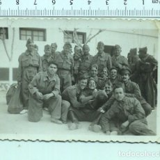 Militaria: FOTOGRAFIA MILITAR. RECUERDO DE LA MILI. AÑOS 50. Lote 211605550