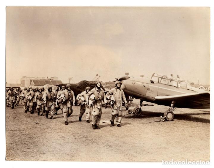 AVIACIÓN.- VOLANDO POR NORUEGA CONTRA EL ENEMIGO. 10,5X14. (Militar - Fotografía Militar - II Guerra Mundial)