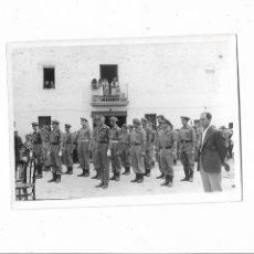 Militaria: ANTIGUA FOTOGRAFIA MILITAR ORIGINAL SOLDADOS REQUETES CARLISTAS. Lote 217419593