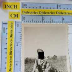 Militaria: FOTO FOTOGRAFÍA MILITAR. SOLDADO LEGIONARIO CON PERRO LEGIÓN. CAMPAMENTO KRIMDA LARACHE AÑO 1949 39. Lote 217574381