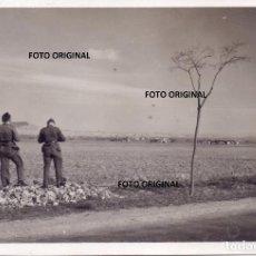 Militaria: PILOTOS LEGION CONDOR PISTA AERODROMO MILITAR LEON GUERRA CIVIL ESPAÑOLA. Lote 217878888