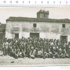 Militaria: FOTOGRAFIA . GRUPO DE MILITARES, GUERRA CIVIL O POSGUERRA. Lote 218315792