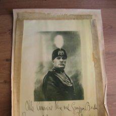 Militaria: MUY RARA FOTOCALCOGRAFIA CON RETRATO DEDICATORIA Y FIRMA DEL DUCE BENITO MUSSOLINI. AÑO 1928.. Lote 219583130