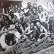 Militaria: FOTOGRAFÍA MARINEROS GUARDACOSTAS ARCILA. ARMADA 1938. Lote 221700642