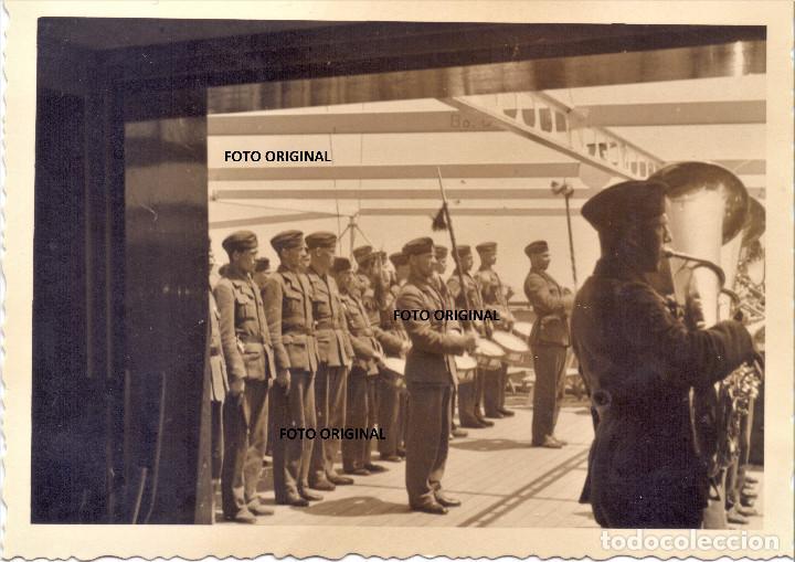 DESPEDIDA BUQUE LEGION CONDOR VIGO (PONTEVEDRA) BANDA MUSICA GUERRA CIVIL (Militar - Fotografía Militar - Guerra Civil Española)