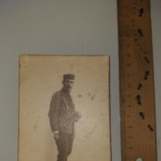 Militaria: TARJETA POSTAL SOLDADO ESPAÑA AÑO 1921 - MILITAR. Lote 222626970