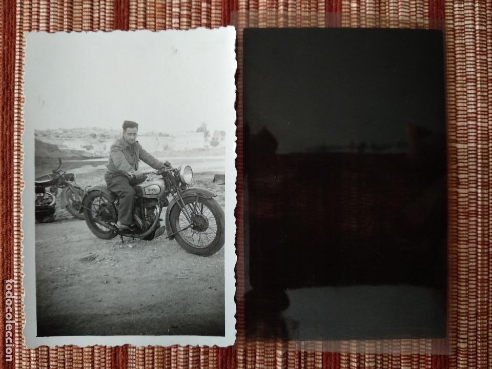 FOTO Y NEGATIVO, FIN GUERRA CIVIL MOTOCICLETA..MAYO 1939 TOLEDO. (Militar - Fotografía Militar - Guerra Civil Española)