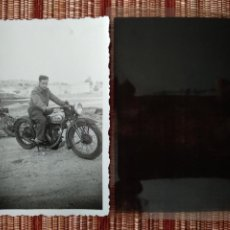 Militaria: FOTO Y NEGATIVO, FIN GUERRA CIVIL MOTOCICLETA..MAYO 1939 TOLEDO.. Lote 222692365