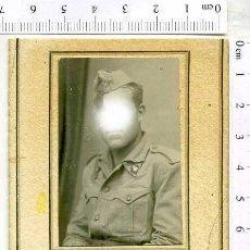 Militaria: FOTOGRAIA DE ESTUDIO MILITAR SOLDADO DE ARTILLERÍA . FOTO GOMEZ MELILLA. Lote 222940487