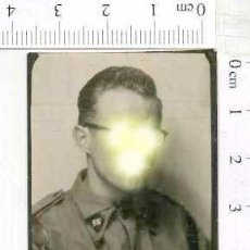 Militaria: MILITAR FOTOGRAFÍA FOTOMATON SOLDADO INFANTERIA APUNTADOR ANTIAEREO. Lote 222940703