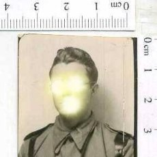 Militaria: MILITAR FOTOGRAFÍA FOTOMATON SOLDADO INFANTERIA APUNTADOR ANTIAEREO. Lote 222940748