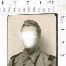 Militaria: MILITAR FOTOGRAFÍA FOTOMATON SOLDADO INFANTERIA APUNTADOR ANTIAEREO. Lote 222940948