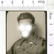 Militaria: MILITAR FOTOGRAFÍA FOTOMATON SOLDADO INFANTERIA APUNTADOR ANTIAEREO. Lote 222940981