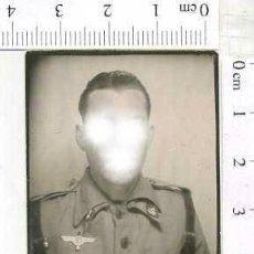 Militaria: MILITAR FOTOGRAFÍA FOTOMATON SOLDADO INFANTERIA APUNTADOR ANTIAEREO. Lote 222941023
