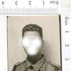 Militaria: MILITAR FOTOGRAFÍA FOTOMATON SOLDADO INFANTERIA APUNTADOR ANTIAEREO. Lote 222941102