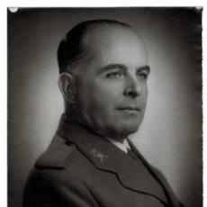 Militaria: BILAUREADO TENIENTE GENERAL JOSÉ ENRIQUE VARELA IGLESIAS, 30X24.. Lote 223917117