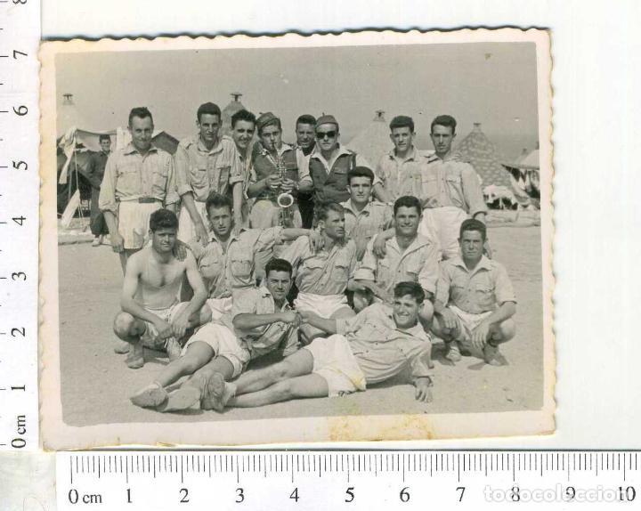 FOTOGRAFIA DE LA MILI. SOLDADOS DE REGULARES, EN PANTALON CORTO CEUTA (Militar - Fotografía Militar - Otros)