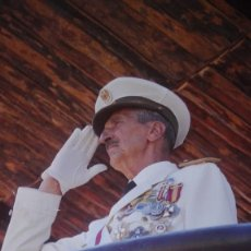 Militaria: FOTOGRAFIA TENIENTE GENERAL DON JOAQUIN FERNANDEZ DE CORDOBA Y ZIBURU. MEDALLA MILITAR INDIVIDUAL.. Lote 224702251