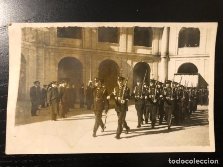 FOTOGRAFÍA DESFILE INFANTERÍA DE MARINA PATIO DEL TEAR SAN FERNANDO (Militar - Fotografía Militar - Otros)