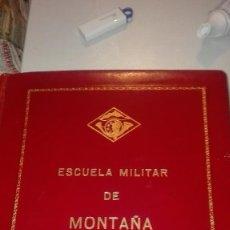 Militaria: ALBUM ESCUELA MILITAR DE MONTAÑA. TTE. GRAL JOAQUIN HERNANDEZ DE CORDOBA MEDALLA INDIVIDUAL.. Lote 228140150