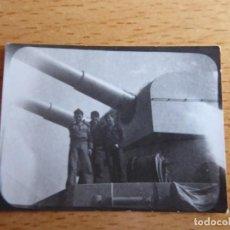 Militaria: FOTOGRAFÍA MARINEROS CRUCERO ALMIRANTE CERVERA.. Lote 231767625