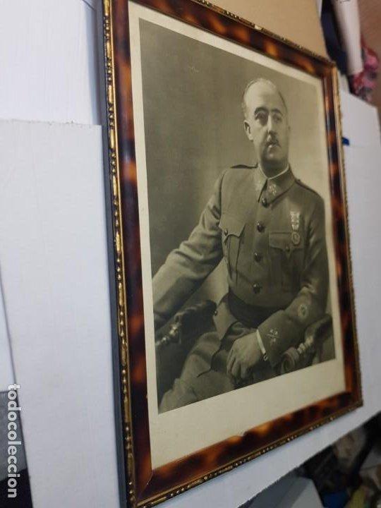 Militaria: Fotografia de Francisco Franco con marco y cristal grande - Foto 2 - 232987320