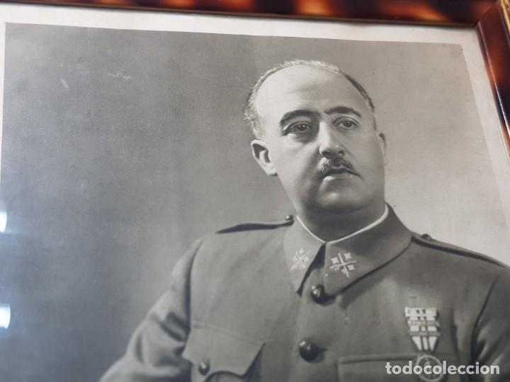 Militaria: Fotografia de Francisco Franco con marco y cristal grande - Foto 4 - 232987320