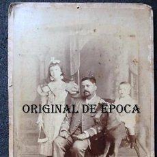 Militaria: (JX-210113)FOTOGRAFÍA FAMILIAR DE OFICIAL,CAMPAÑA DE CUBA,REALIZADA EN OTERO Y COLOMINAS LA HABANA. Lote 234893290