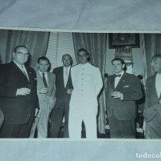 Militaria: ANTIGUA FOTOGRAFÍA ORIGINAL, REY JUAN CARLOS AÑO 1958 VISITA A MURCIA FOTO SAEZ. Lote 235001680