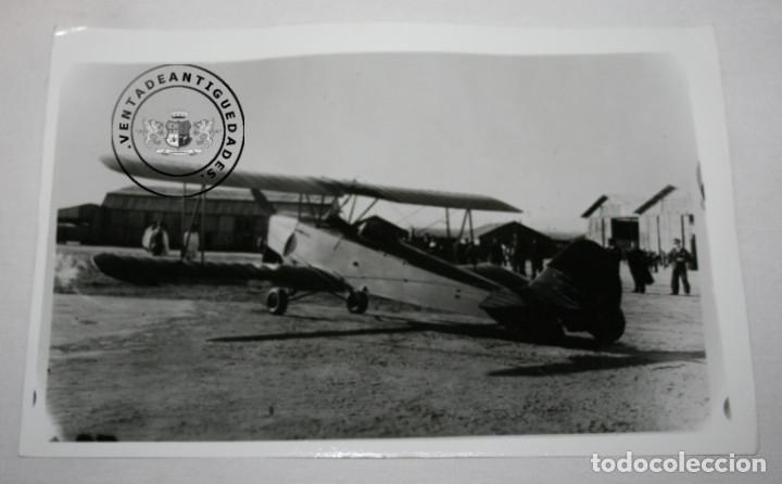 FOTOGRAFIA ANTIGUA, AVION HISPANO SUIZO E-34 DE LA GUERRA CIVIL EN AERODROMO (Militar - Fotografía Militar - Guerra Civil Española)