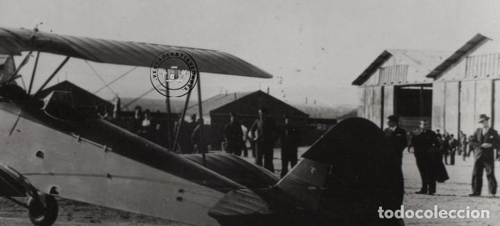 Militaria: FOTOGRAFIA ANTIGUA, AVION HISPANO SUIZO E-34 DE LA GUERRA CIVIL EN AERODROMO - Foto 3 - 235359520