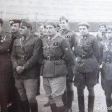 Militaria: FOTOGRAFÍA OFICIALES DEL EJÉRCITO NACIONAL.. Lote 237404565