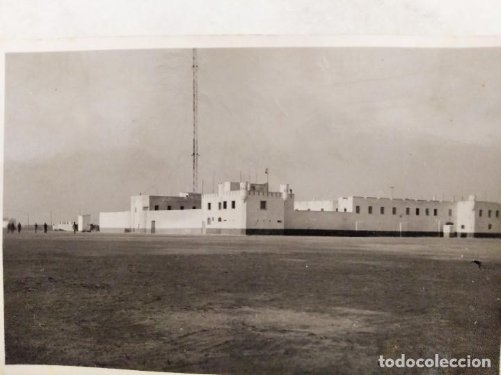 SAHARA ESPAÑOL. FOTOGRAFIA DEL CUARTEL DE VILLA CISNEROS (ACTUAL DAKHLA). 1945 (Militar - Fotografía Militar - Otros)