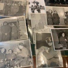 Militaria: FOTOGRAFÍAS (8) JEFES Y OFICIALES MEDALLAS Y COLECTIVAS. Lote 240879370