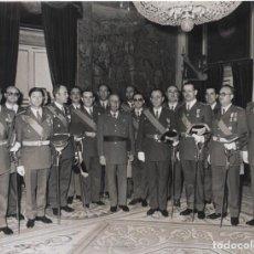 Militaria: AUDIENCIA FRANCO COMISION DE JEFES Y OFICIALES VI PROMOCION DE LA ACADEMIA GENERAL MILITAR.14-3-73. Lote 244490370
