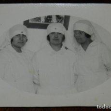 Militaria: FOTOGRAFIA DE ENFERMERAS DEL HOSPITAL DE CALA BONITA EN MARRUECOS, GUERRA DEL RIF, AÑO 1927, MIDE 6. Lote 244788315
