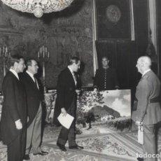 Militaria: AUDIENCIA DEL CAUDILLO. SOCIEDAD ESPAÑOLA DE PRODUCTOS FOTOGRAFICOS .PRESIDE SR ORIOL 02/06/1971. Lote 245928455