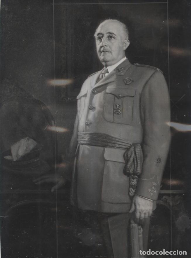 EL CAUDILLO 18/07/1957.CUADRO DEL PINTOR SANTIAGO DE LES. FOTOGRAFIA DEL FOTOGRAFO ALFONSO 23 X 17CM (Militar - Fotografía Militar - Otros)