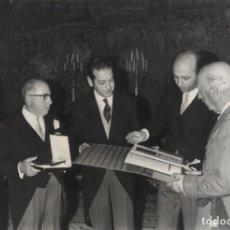 Militaria: FRANCO AUDIENCIA COMISION COMITE INTERTEXTIL DE BARCELONA PRESIDE GUILLERMO CASANOVAS 5-11-1969. Lote 247691720