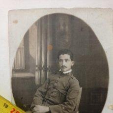 Militaria: FOTO POSTAL DE RAMON FRANCO BAHAMONDE EN 1915 FELICITANDO A SU ABUELO MATERNO. FRANCISCO FRANCO. Lote 252233530