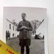 Militaria: FOTOGRAFIA DE JOAQUIN GARCIA PALLASAR EN EL ALCAZAR EL 25-7-1926. CAPITAN DE ARTILLERIA.FRANCO.. Lote 252302360