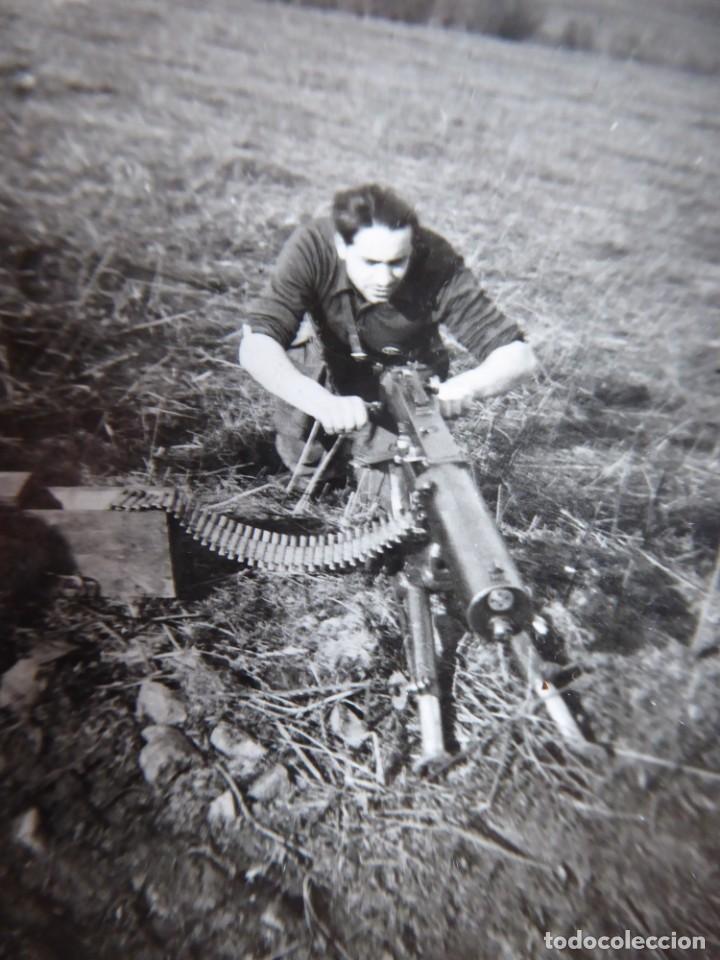 FOTOGRAFÍA SOLDADO AMETRALLADORAS DEL EJÉRCITO NACIONAL. FRENTE DEL NORTE (Militar - Fotografía Militar - Guerra Civil Española)