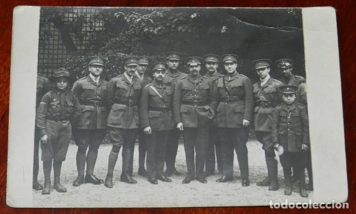 FOTO POSTAL DEL PERSONAL MEDICO MILITAR ESPAÑOL EN EL HOSPITAL ESPAÑOL DE PARIS PARA HERIDOS DE GUER (Militar - Fotografía Militar - I Guerra Mundial)